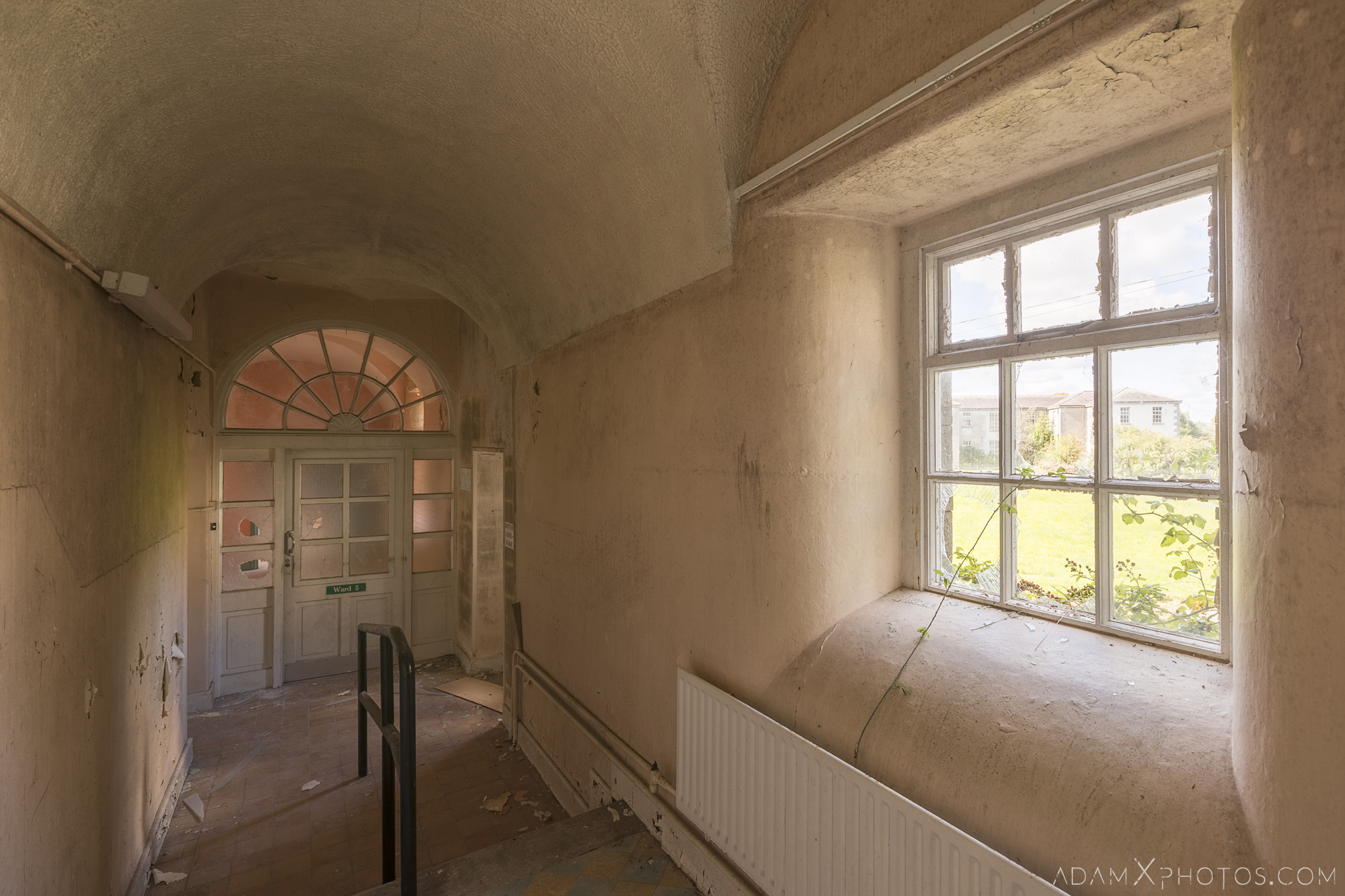 corridor window Connacht District Lunatic Asylum St Brigid's Hospital Adam X Urbex Urban Exploration Ireland Ballinasloe Access 2017 Abandoned decay lost forgotten derelict location creepy haunting eerie