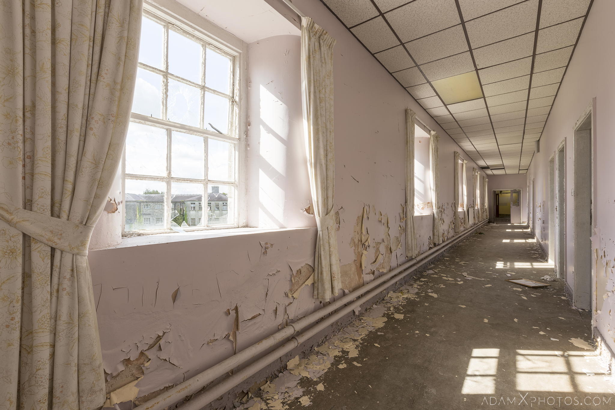 purple corridor peeling paint Connacht District Lunatic Asylum St Brigid's Hospital Adam X Urbex Urban Exploration Ireland Ballinasloe Access 2017 Abandoned decay lost forgotten derelict location creepy haunting eerie