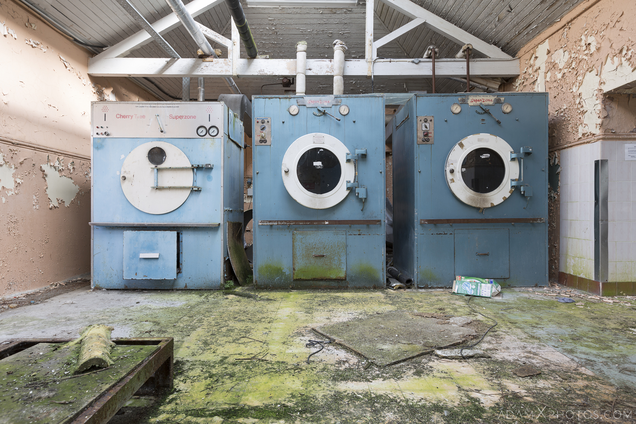 washing machines laundry Connacht District Lunatic Asylum St Brigid's Hospital Adam X Urbex Urban Exploration Ireland Ballinasloe Access 2017 Abandoned decay lost forgotten derelict location creepy haunting eerie