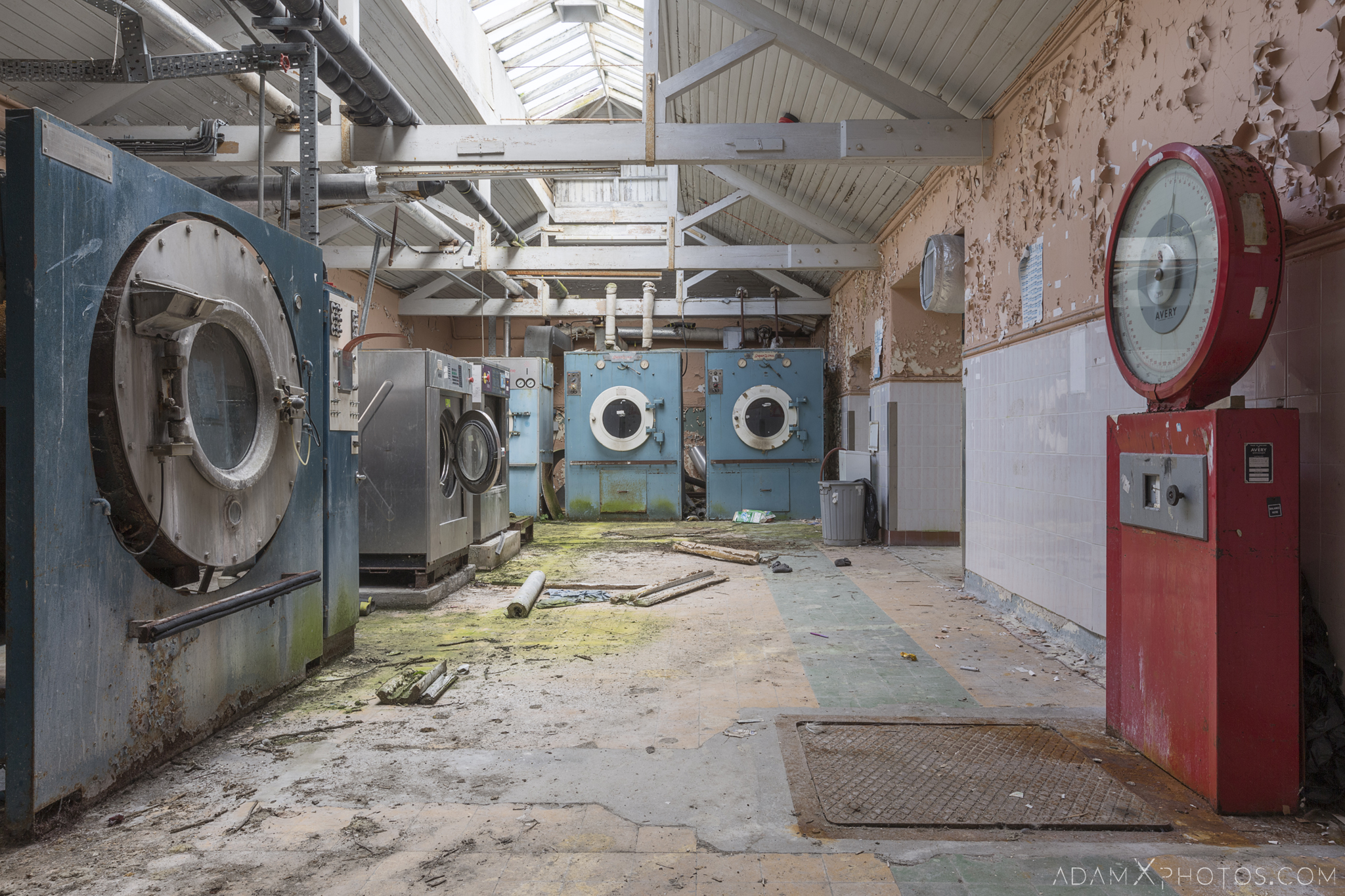 washing machines laundry scale Connacht District Lunatic Asylum St Brigid's Hospital Adam X Urbex Urban Exploration Ireland Ballinasloe Access 2017 Abandoned decay lost forgotten derelict location creepy haunting eerie