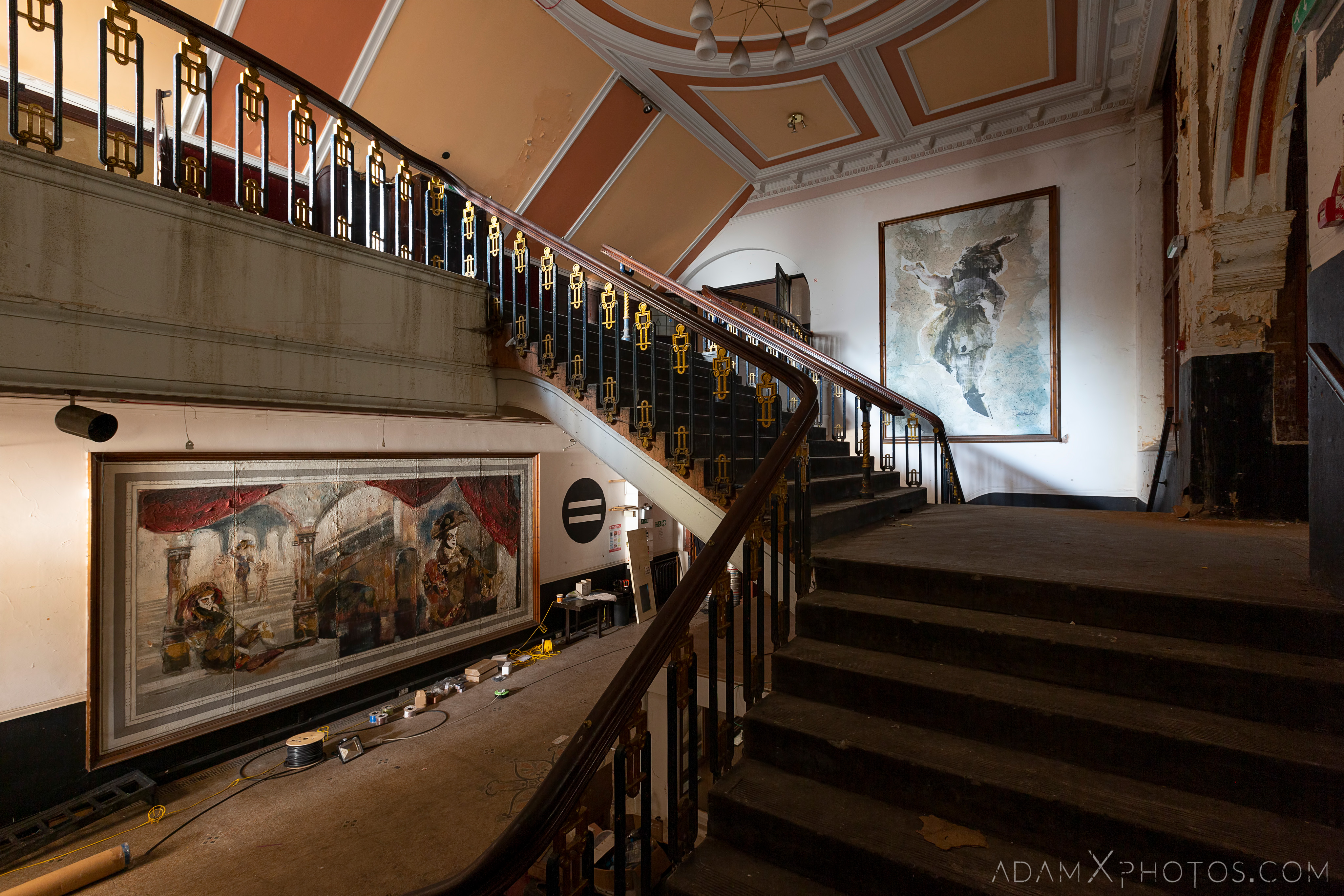 Lobby foyer painting Birmingham Methodist Central Hall Q Club Adam X Urbex Urban Exploration Access 2018 Abandoned decay lost forgotten derelict location creepy haunting eerie