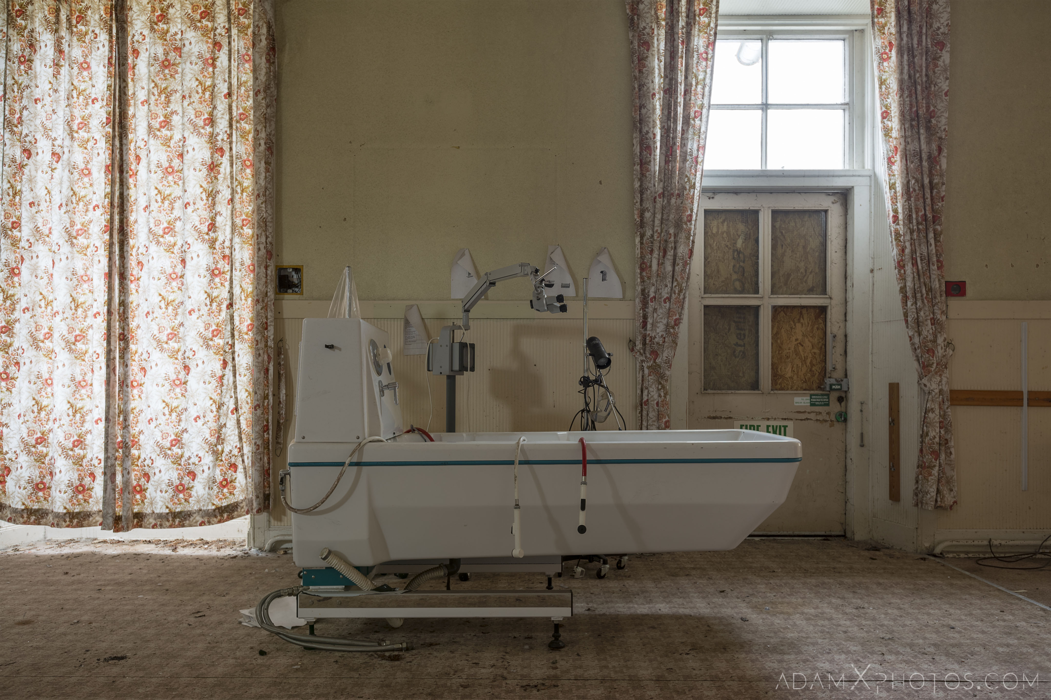 Mobile bath Stratheden Hospital Fife Scotland Adam X Urbex Urban Exploration Access 2018 Abandoned decay ruins lost forgotten derelict location creepy haunting eerie