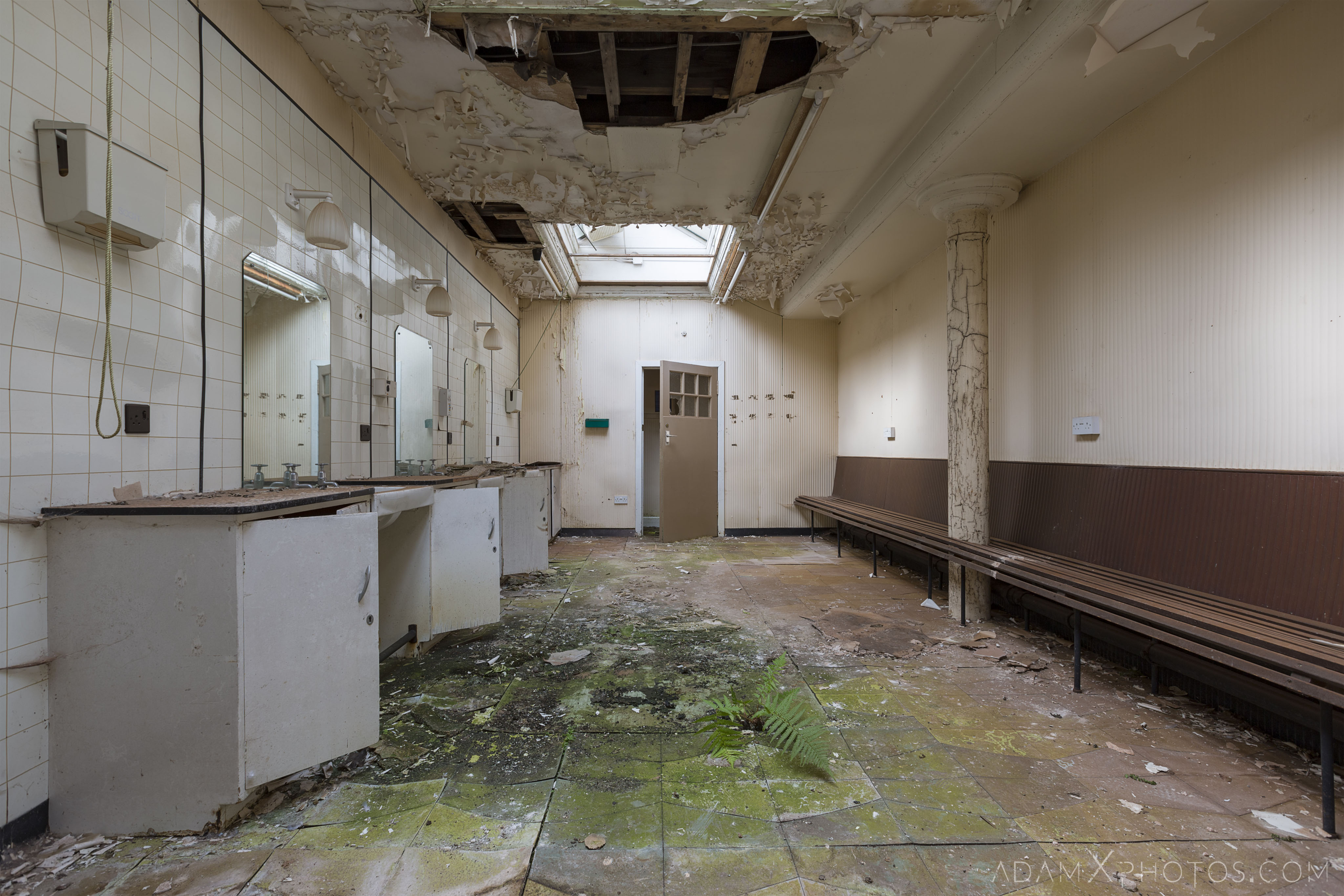 laundry area Stratheden Hospital Fife Scotland Adam X Urbex Urban Exploration Access 2018 Abandoned decay ruins lost forgotten derelict location creepy haunting eerie