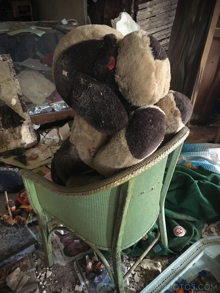 dog soft toy Elvanfoot Parish Church Hoarder Hoarders Church Adam X Urbex Urban Exploration Access 2018 Abandoned decay lost forgotten derelict location creepy haunting eerie