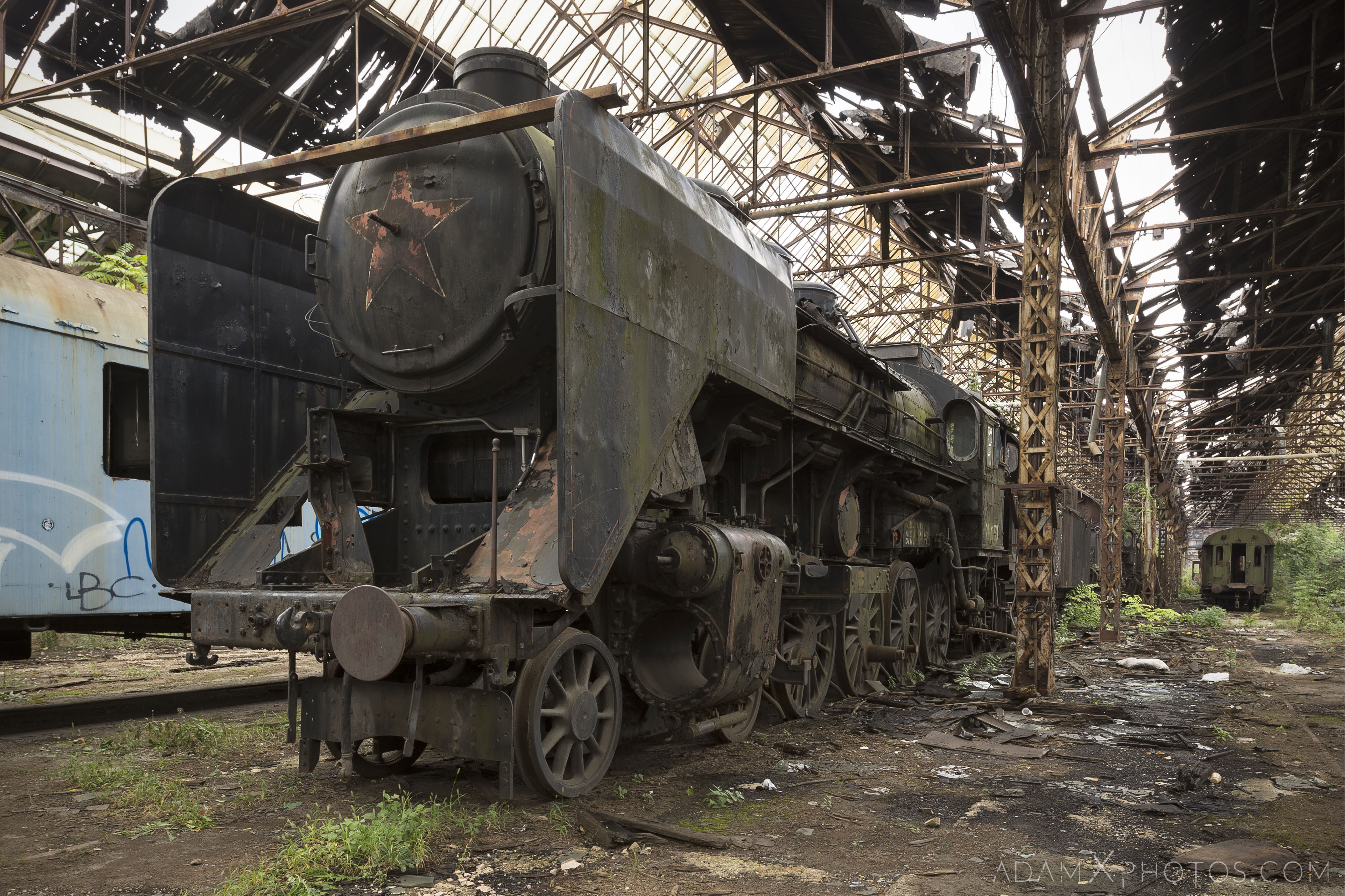 Red Star Locomotive Shed ISTVÁNTELEK TRAIN YARD budapest hungary Adam X Urbex Urban Exploration Access 2018 Abandoned decay ruins lost forgotten derelict location creepy haunting eerie