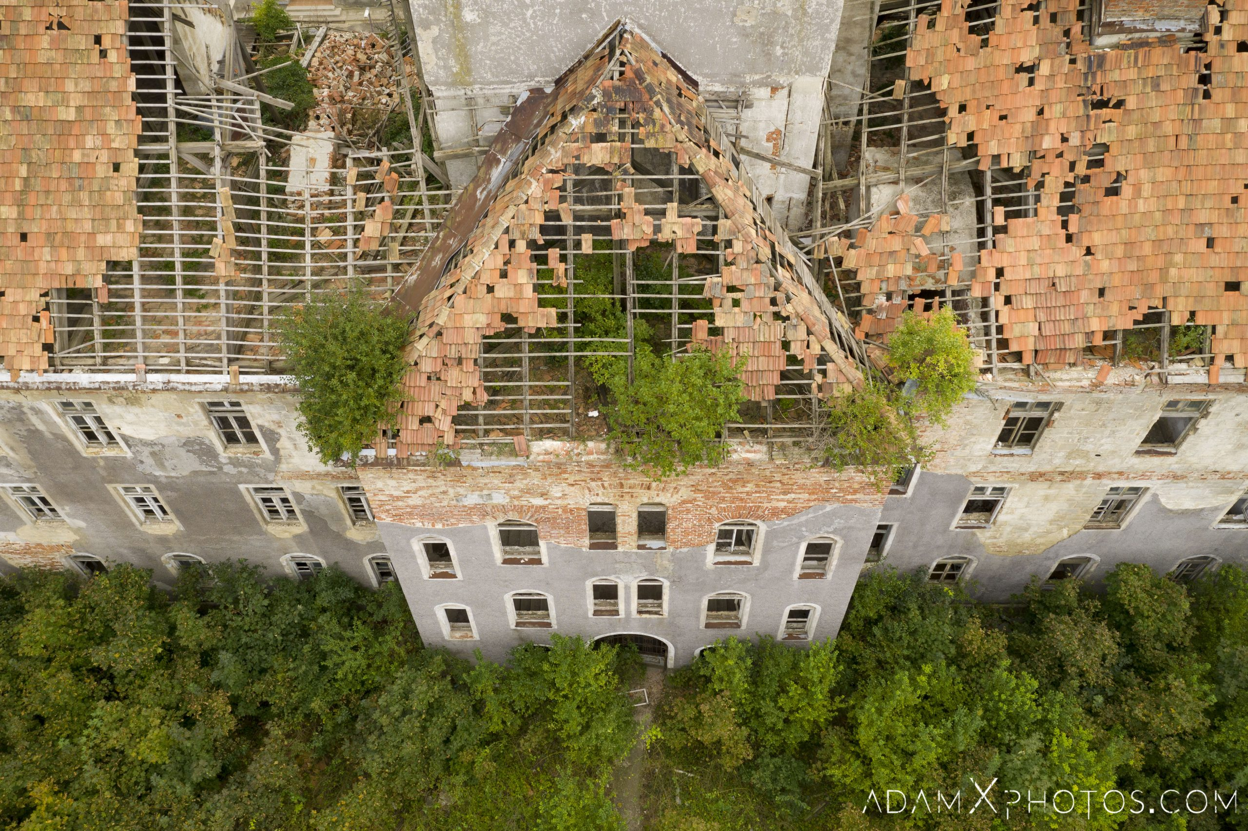 Hajmaskér Barracks drone aerial from above hungary Adam X Urbex Urban Exploration Access 2018 Abandoned decay ruins lost forgotten derelict location creepy haunting eerie