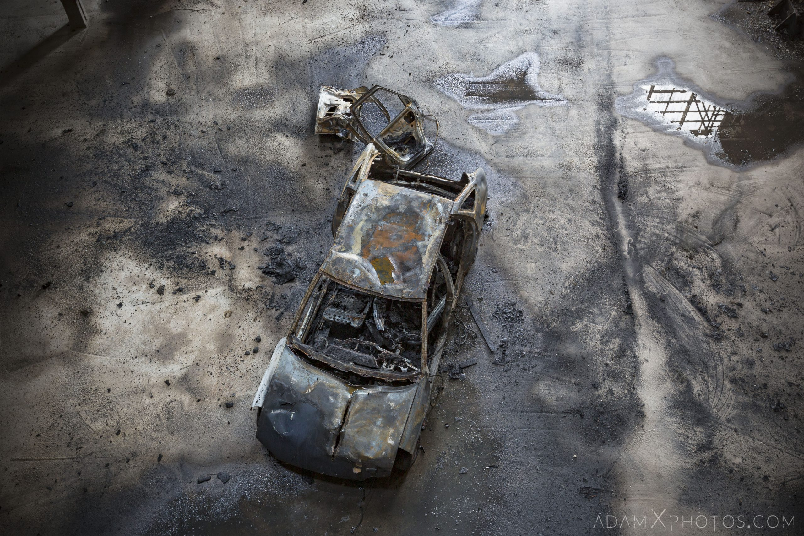 burnt out car industry industrial rusty rusting Bladerunner Blade Runner 2049 Powerplant Inota Shephard's Power Plant Hungary Adam X Urbex Urban Exploration Access 2018 Abandoned decay ruins lost forgotten derelict location creepy haunting eerie security