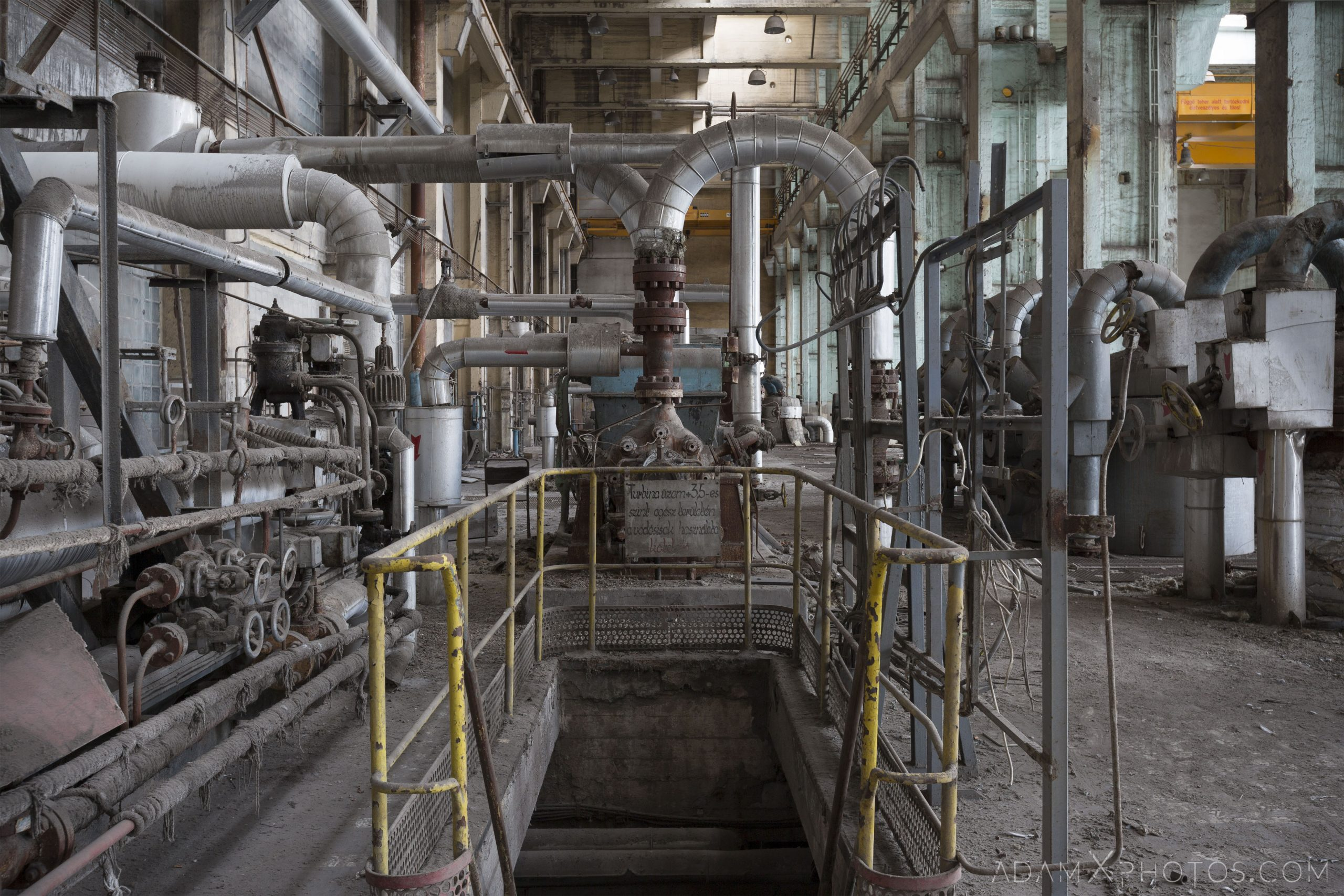 turbine hall pipes industry industrial rusty rusting Bladerunner Blade Runner 2049 Powerplant Inota Shephard's Power Plant Hungary Adam X Urbex Urban Exploration Access 2018 Abandoned decay ruins lost forgotten derelict location creepy haunting eerie security