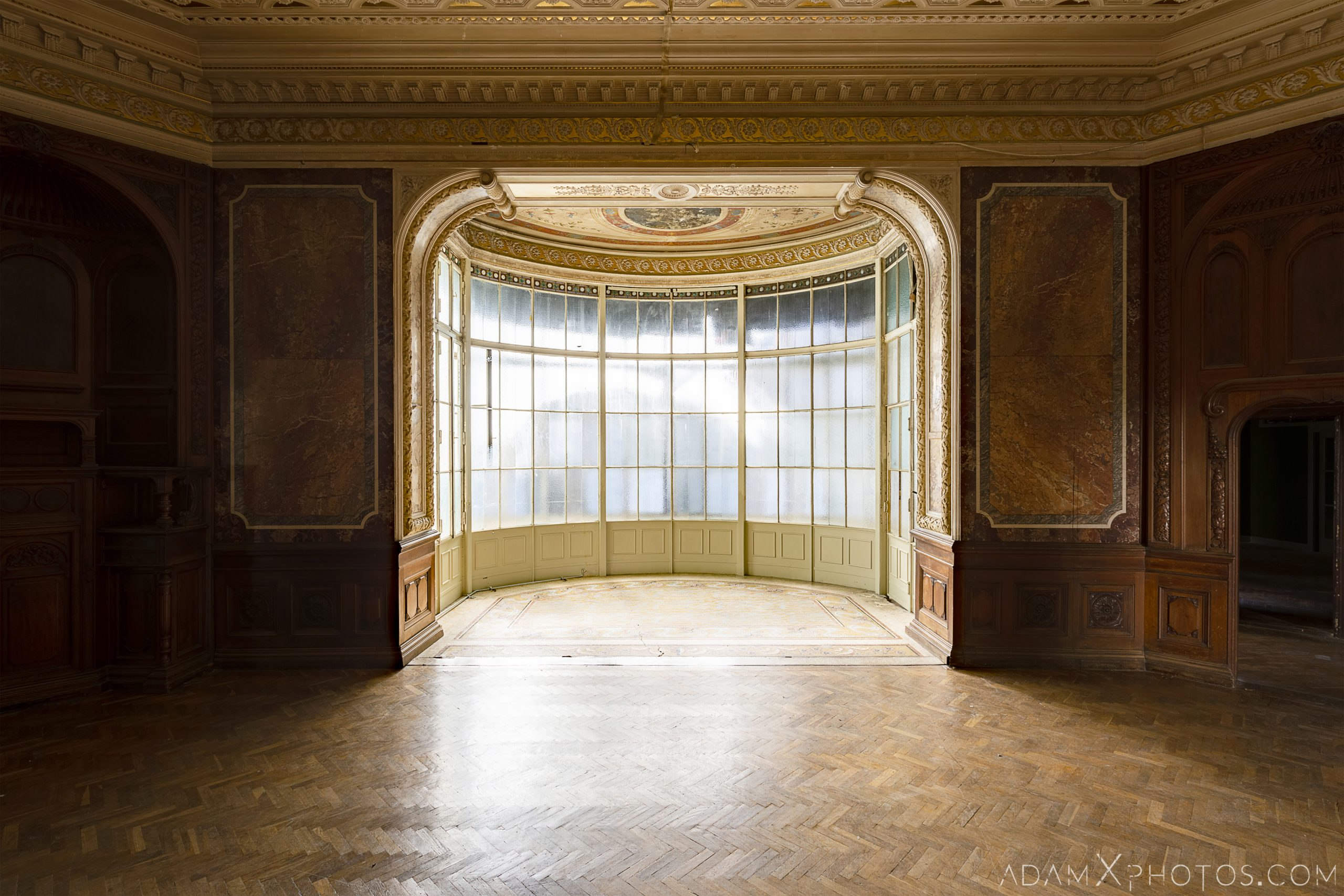 Bay window glass parquet flooring Adria Palace Budapest Hungary Adam X Urbex Urban Exploration Access 2018 Blade Runner 2049 Abandoned decay ruins lost forgotten derelict location creepy haunting eerie security ornate grand neo baroque