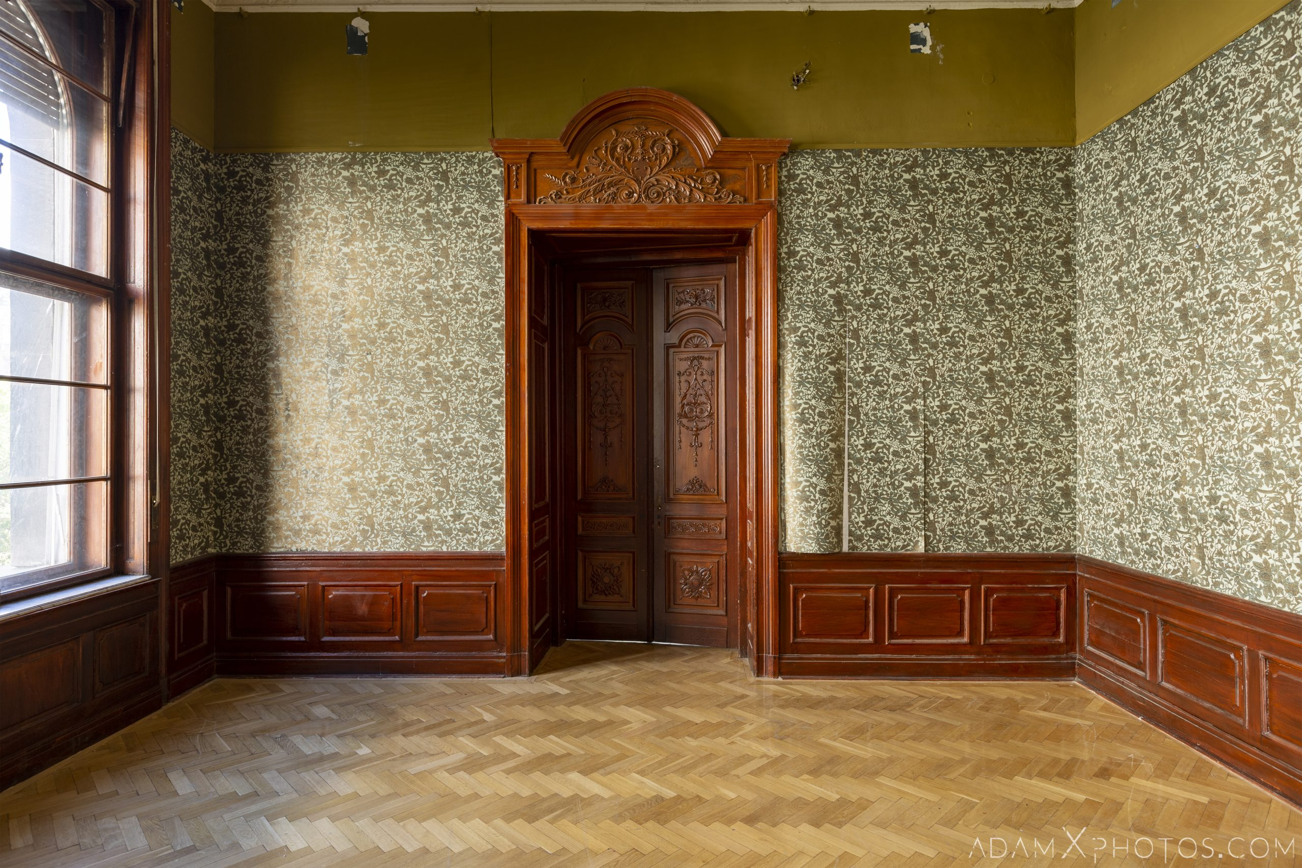 Wallpaper parquet Adria Palace Budapest Hungary Adam X Urbex Urban Exploration Access 2018 Blade Runner 2049 Abandoned decay ruins lost forgotten derelict location creepy haunting eerie security ornate grand neo baroque
