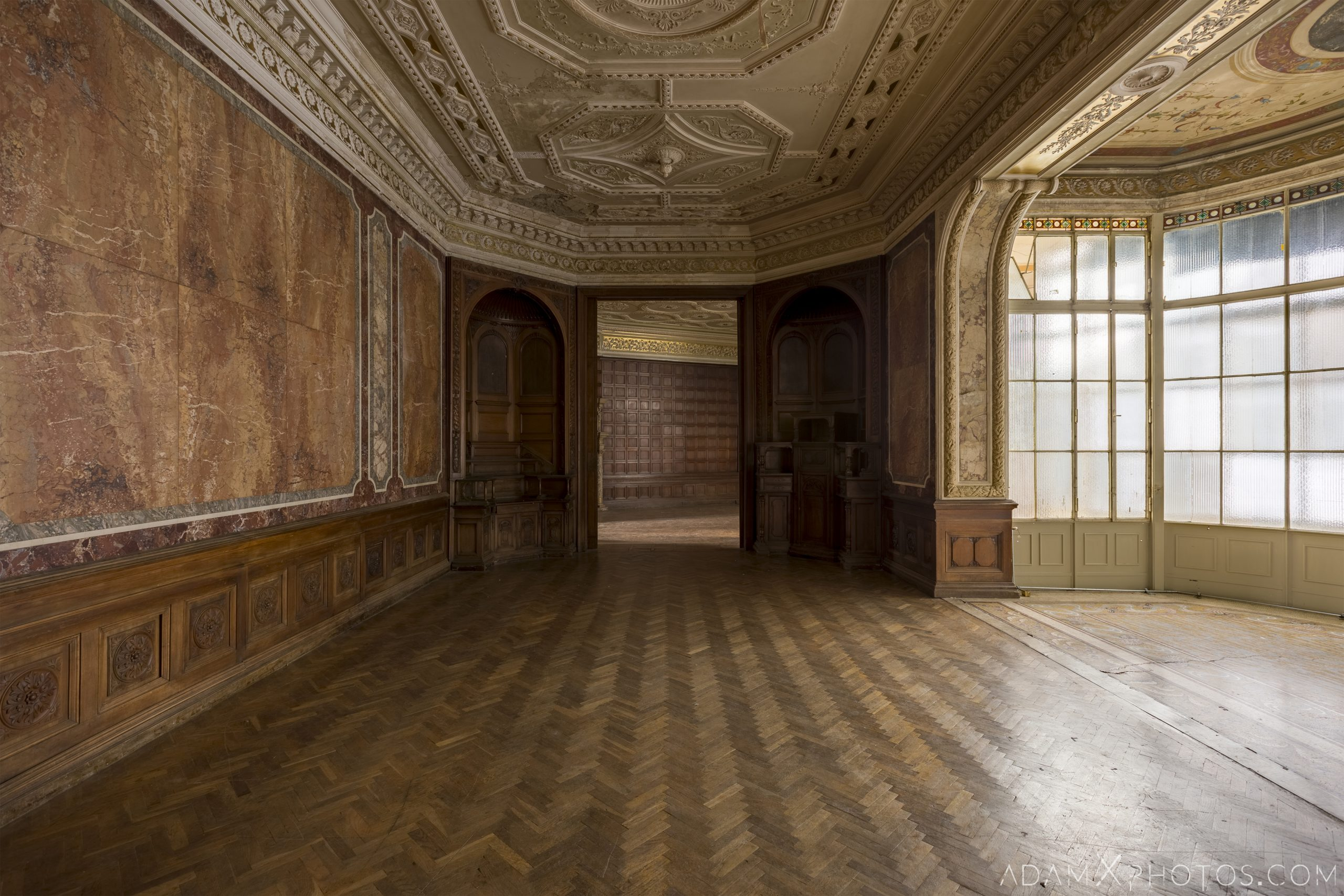Bay window parquet marble opulent Adria Palace Budapest Hungary Adam X Urbex Urban Exploration Access 2018 Blade Runner 2049 Abandoned decay ruins lost forgotten derelict location creepy haunting eerie security ornate grand neo baroque