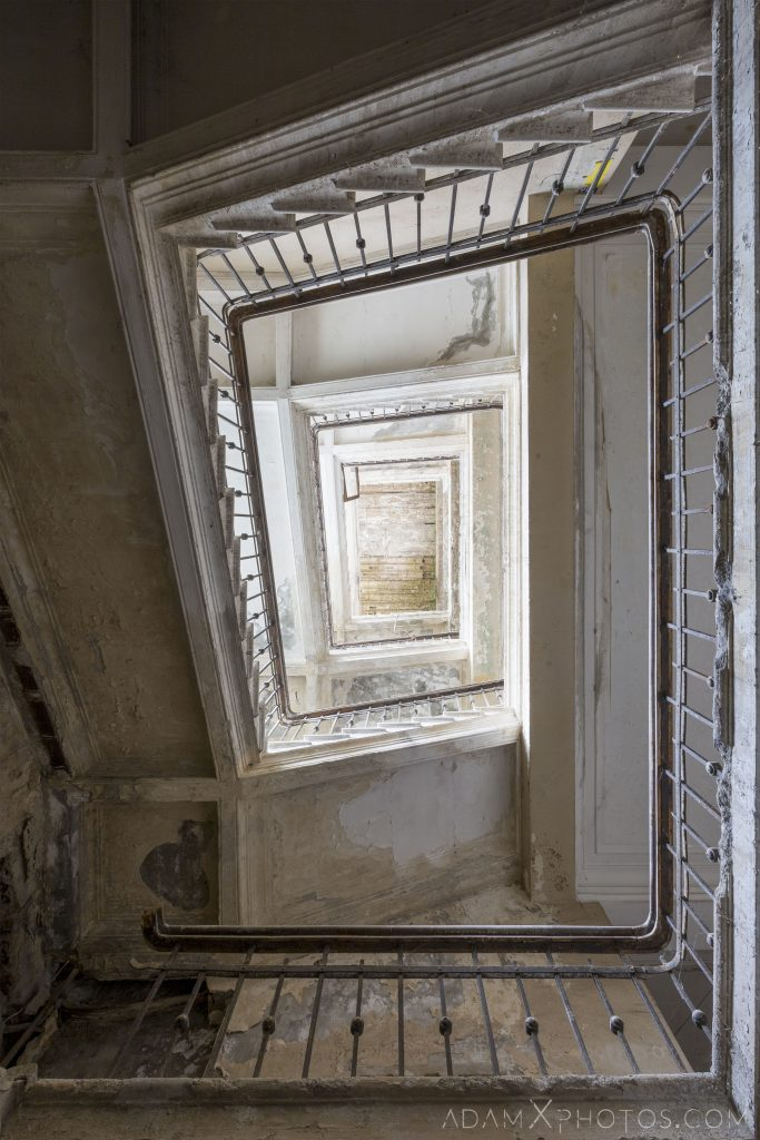 staircase spiral stairwell stairs Hotel Medea Tskaltubo Georgia Adam X Urbex Urban Exploration 2018 Abandoned Access History decay ruins lost forgotten derelict location creepy haunting eerie security