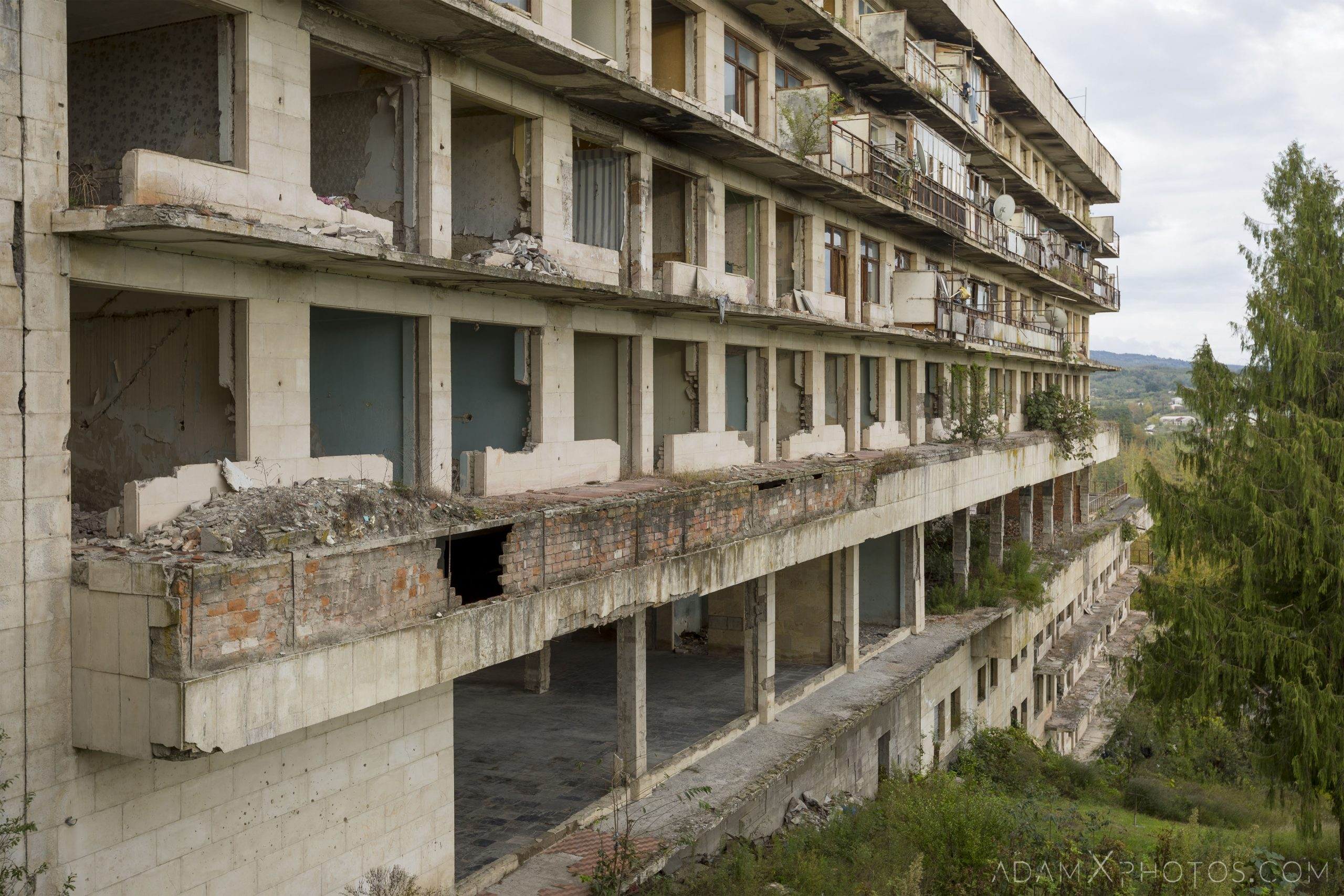 exterior IDPs residents concrete Hotel Sakartvelo Tskaltubo Georgia Adam X Urbex Urban Exploration 2018 Abandoned Access History decay ruins lost forgotten derelict location creepy haunting eerie security