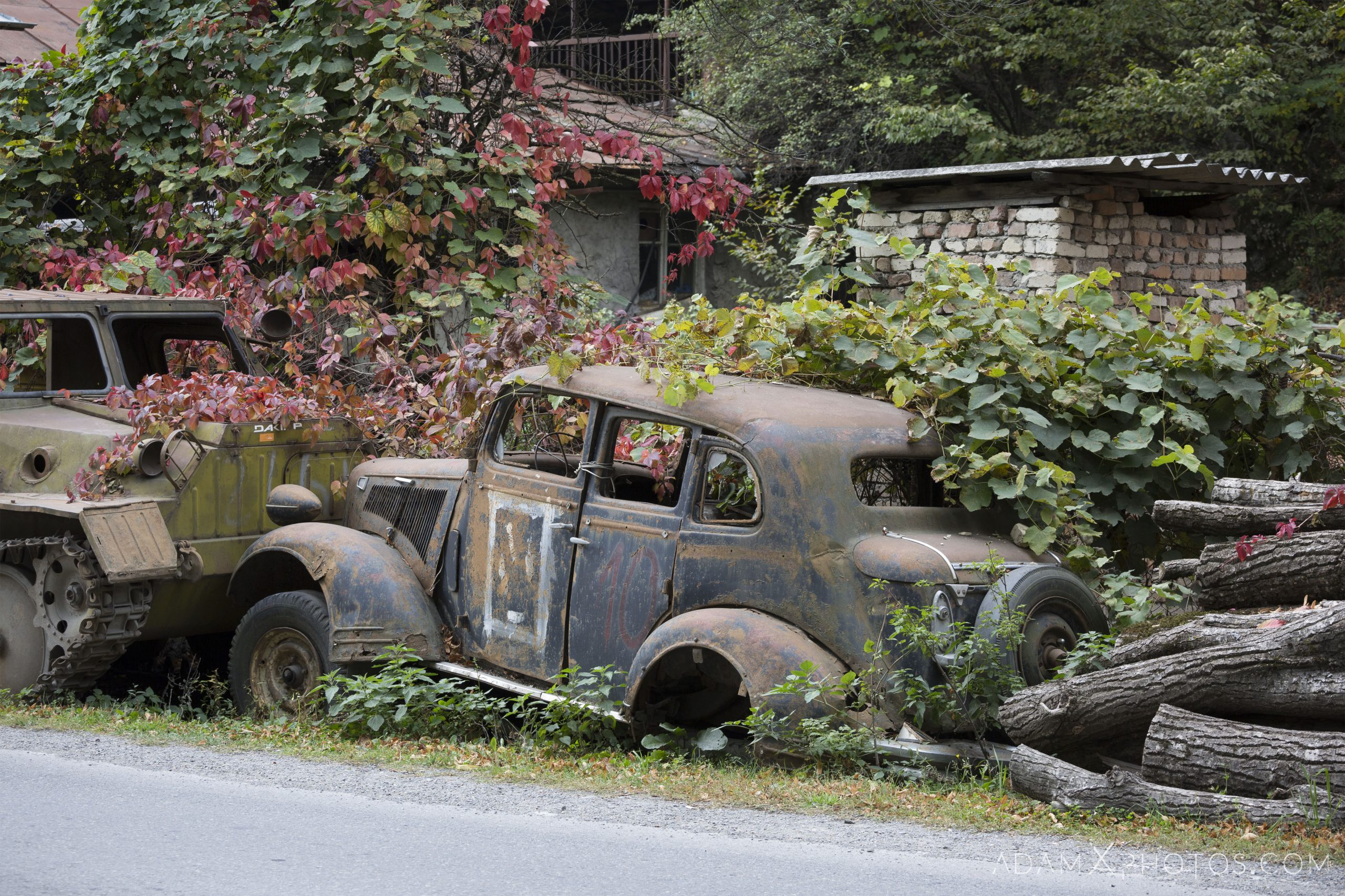 Old car ivy overgrown Car Vehicle Vehicles Graveyard rusting road trip Georgia Adam X AdamXPhotos Urbex Urban Exploration 2018 Abandoned ruins lost forgotten derelict location