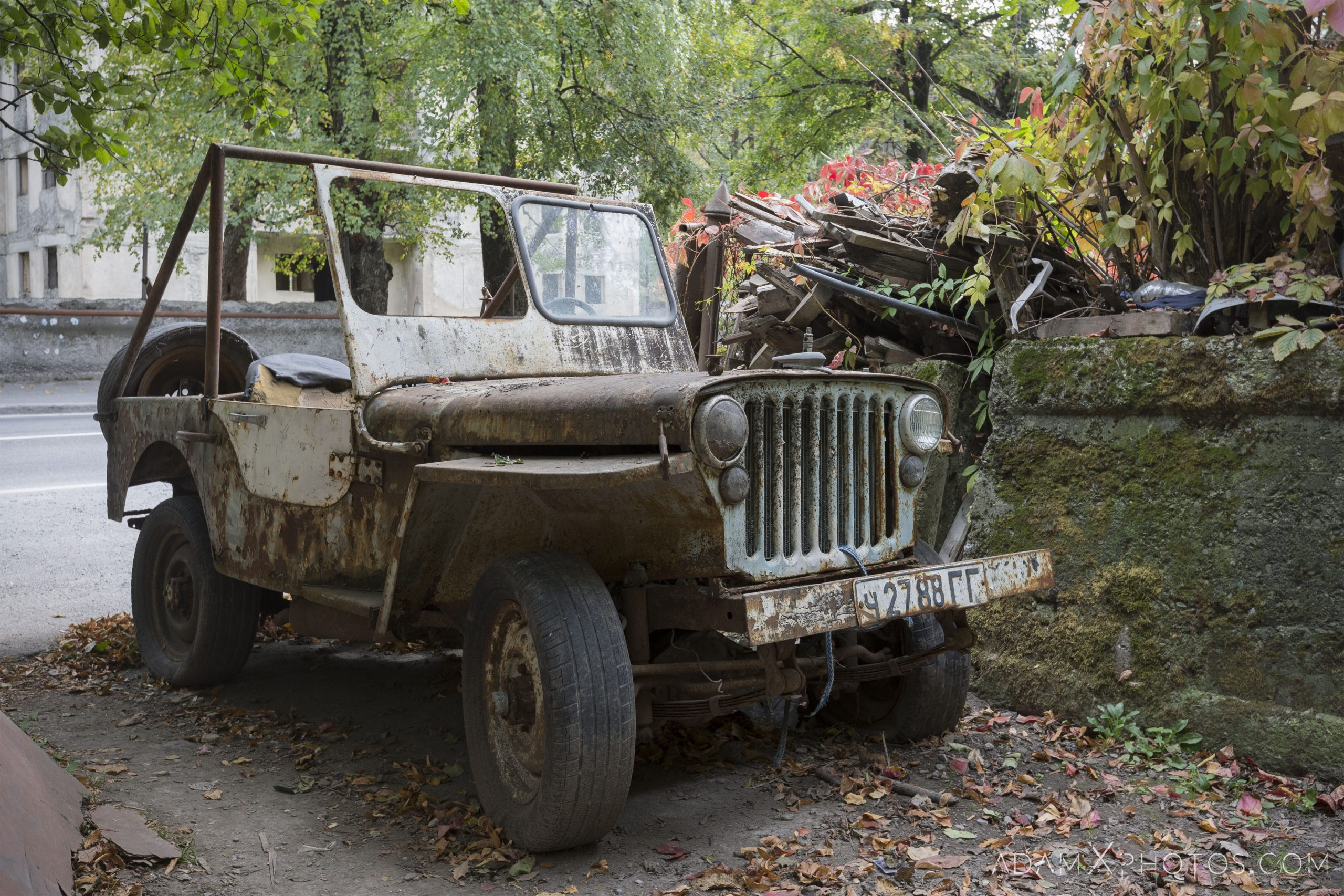 Rusty old jeep Car Vehicle Vehicles Graveyard rusting road trip Georgia Adam X AdamXPhotos Urbex Urban Exploration 2018 Abandoned ruins lost forgotten derelict location